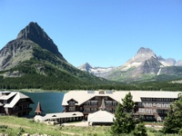 Many Glacier - impressive lodge setting